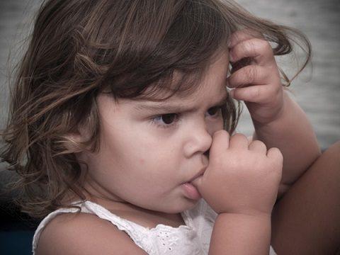 chupar el pulgar, chupar el pulgar en boadilla, chupar el dedo en boadilla, ortodoncia en boadilla, odontopediatra en boadilla, dentista infantil en boadilla, dentista para niños en boadilla, revisión dental boadilla, odontólogo para niños en boadilla, selladores dentales en boadilla