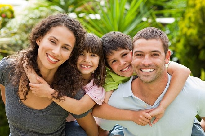 enfermedades dentales, caries, sensibilidad dental, halitosis, mal aliento, enfermedad de las encias
