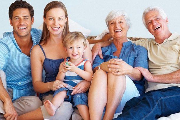 las causas de la caries, caries dental, grieta en los dientes, revisión dental, limpieza de los dientes, higiene oral, cepillo dental, medicamentos, odontología, odontólogo, clínica dental