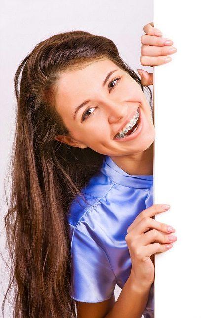 qué es un ortodoncista, ortodoncia en boadilla, ortodoncista en boadilla, enderezar los dientes en boadilla, corregir la posición de los dientes en boadilla, odontología en boadilla, odontólogo en boadilla, aparato dental en boadilla, brackets en boadilla, invisalign boadilla, dentista boadilla, clínica dental boadilla