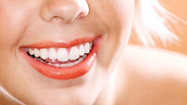 síntomas de la enfermedad de las encías, enfermedad de las encías en boadilla, gingivitis en boadilla, encías sangrantes en boadilla, encías rojas en boadilla, encías inflamadas en boadilla, dentista en boadilla, odontólogo en boadilla, odontología en boadilla, clínica dental en boadilla, revisión dental en boadilla, salud dental en boadilla