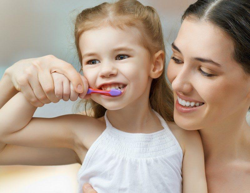 salud dental infantil, higiene oral niños, odontopediatra, dentista para niños