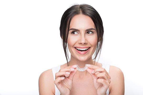 invisalign es para mí, invisalign majadahonda, ortodoncia invisible majadahonda, ortodoncia majadahonda, ortodoncia transparente majadahonda, ortodoncista majadahonda, dentista majadahonda, clínica dental majadahonda, odontología majadahonda, odontólogo majadahonda, enderezar los dientes majadahonda