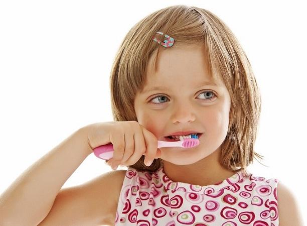 cepillo dental en boadilla, cepillado dental boadilla, higiene oral en boadilla, seda dental boadilla, hilo dental boadilla, clínica dental boadilla, dentista boadilla, odontólogo boadilla, salud oral boadilla, odontología boadilla, revisión dental boadilla