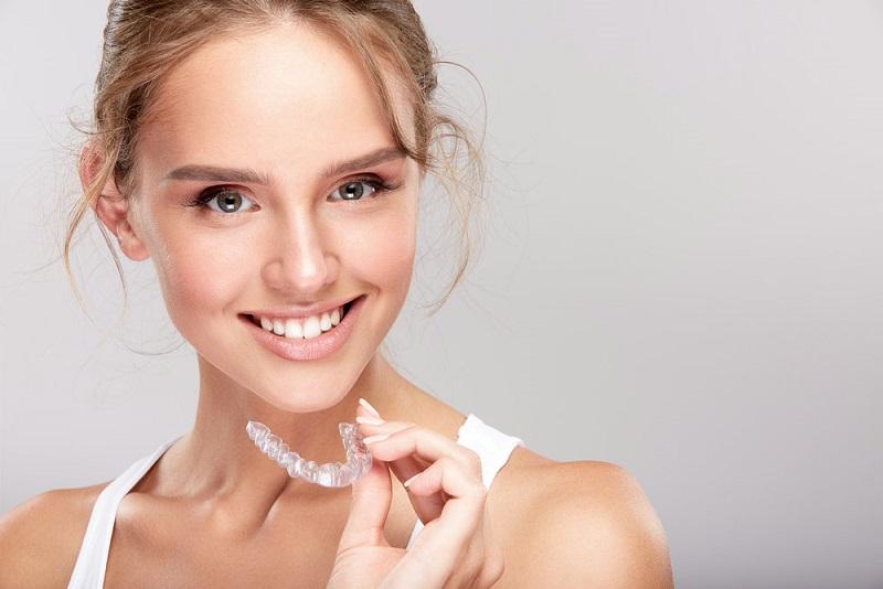 ventajas de la ortodoncia transparente, ortodoncia invisible en majadahonda, ortodoncia transparente en majadahonda, invisalign majadahonda, ortodoncia majadahonda, estética dental majadahonda, sonrisa perfecta en majadahonda, ortodoncista en majadahonda, alineadores invisibles majadahonda