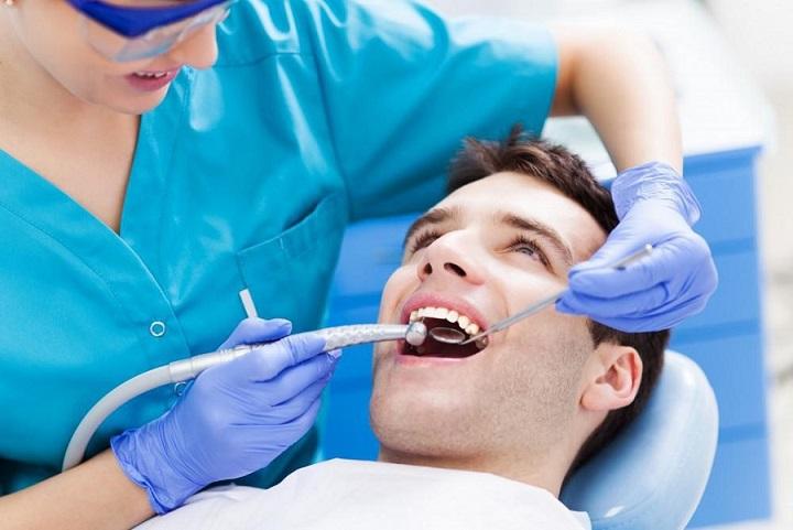 importancia de las revisiones bucales, revisión dental majadahonda, limpieza dental majadahonda, dentista majadahonda, odontólogo majadahonda, odontología majadahonda, clínica dental majadahonda, enfermedades dentales majadahonda, salud bucal majadahonda, sonrisa majadahonda