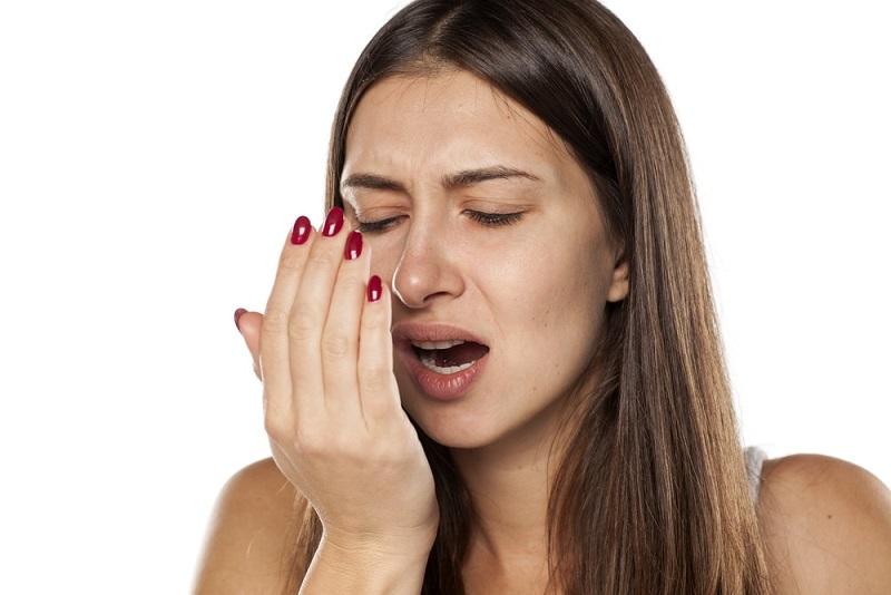 causas y soluciones del mal aliento, problemas dentales majadahonda, salud bucal majadahonda, mal aliento en majadahonda, halitosis en majadahonda, clínica dental majadahonda, odontólogo majadahonda, dentista majadahonda, odontología majadahonda, revisión dental majadahonda, limpieza dental majadahonda, fumar en majadahonda, boca seca majadahonda, xerostomía majadahonda, sequedad bucal majadahonda, higiene bucal majadahonda