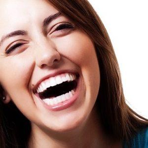 5 razones para cepillar la lengua, dentista boadilla, odontólogo boadilla, odontología boadilla, clínica dental boadilla, revisión dental boadilla, limpieza dental boadilla, higiene oral boadilla, salud dental boadilla, caries dental boadilla, mal aliento boadilla, bacterias boadilla, enfermedad periodontal boadilla