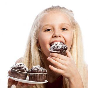 El odontopediatra en boadilla explica los 10 problemas bucales en ninños. Los niños deben acudir al dentista infantil desde temprana edad. De esta forma puede prevenir enfermedades dentales como ortodoncia, mal aliento, sensibilidad dental, caries dental, bruxismo y fobia dental. Cuida tu salud bucal.