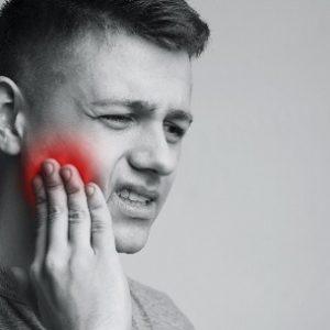 El dentista en boadilla explica las 5 causas del dolor dental. Las revisiones dentales en la Clínica Dental Infante Don Luis (Dentalarroque) ayudan a cuidar tu salud bucal. Vigila la alimentación y los hábitos de higiene bucal para prevenir la caries dental, rotura dental y otros problemas dentales.