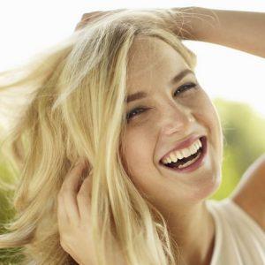 Conoce las 14 preguntas sobre invisalign. Pide una cita con el ortodoncista en boadilla para recibir información sobre la ortodoncia invisible. Acuda a la Clínica Dental Infante Don Luis (Dentalarroque) para enderezar los dientes y mejorar la estética dental.