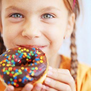 El odontopediatra en majadahonda explica por qué se deben cuidar los dientes primarios. Acuda a la Clínica Dental Dra. Herrero (Dentalarroque) para mantener los dientes de leche saludables. El cuidado de la dentición es clave en la salud de los dientes permanentes. Hay que vigilar los alimentos y la higiene bucal.