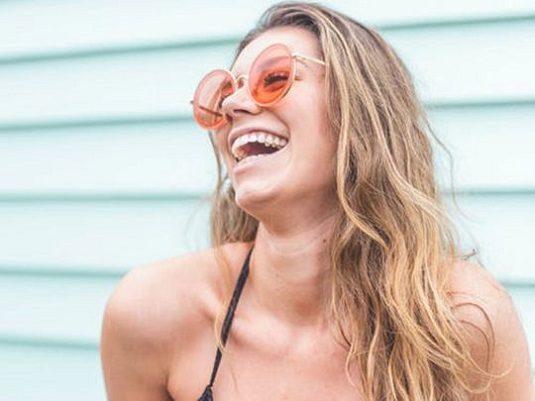El dentista en boadilla explica los 14 hábitos que dañan los dientes. Acuda a la Clínica Dental Infante Don Luis (Dentalarroque boadilla) para mantener la salud bucodental saludable. Hay que evitar morder hielo, fumar, cepillar los dientes con fuerza, vigilar ciertos alimentos y rechinar los dientes.
