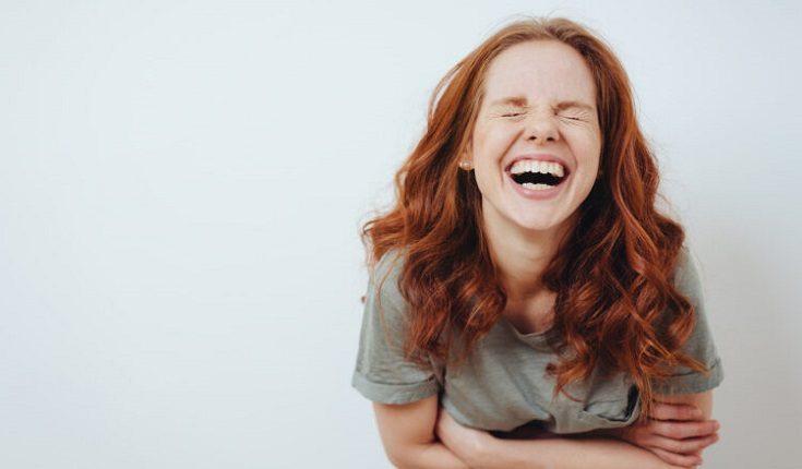 El dentista en boadilla del monte explica las 3 causas de los dientes amarillos. Acuda a la Clínica Dental Infante Don Luis (Dentalarroque) para mantener la sonrisa radiante. Hay que vigilar la higiene oral, no fumar y no consumir ciertos alimentos. Cuida la estética de tus dientes.