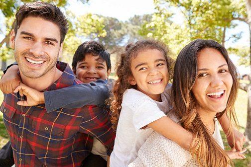 El dentista en boadilla explica las 4 causas del desgaste del esmalte dental. Acuda a la clinica dental Dentalarroque boadilla si sufres de bruxismo o consumes alimentos acidos. Hay que vigilar la tecnica de cepillado dental. Cuida tu salud bucal.