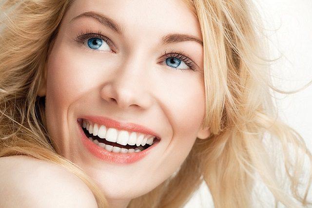 El ortodoncista en boadilla explica los 5 beneficios de invisalign. Acuda a la Clínica Dental Infante Don Luis (Dentalarroque) para enderezar los dientes y mejorar la estética dental. Cuida tu salud bucal.