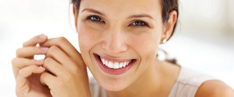 5 beneficios del blanqueamiento dental, blanquear los dientes en boadilla, odontólogo en boadilla, odontología en boadilla, clínica dental en boadilla, dentista en boadilla, estética dental en boadilla, sonrisa en boadilla, dientes blancos en boadilla, alimentos en boadilla, decoloración dental en boadilla, dientes oscuros en boadilla, dientes manchados en boadilla, higiene oral en boadilla, revisión dental en boadilla, limpieza dental en boadilla, salud dental en boadilla, sensibilidad dental en boadilla, autoestima en boadilla, confianza en boadilla