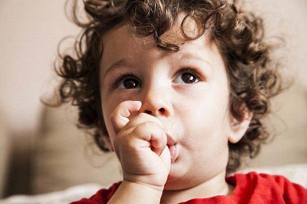 5 efectos de chuparse el dedo, odontopediatra en majadahonda, odontopediatria en majadahonda, dentista en majadahonda, clínica dental en majadahonda, odontólogo en majadahonda, odontología en majadahonda, dentista infantil en majadahonda, odontólogo infantil en majadahonda, dentista para niños en majadahonda, odontólogo para niños en majadahonda, revisión dental en majadahonda, higiene oral en majadahonda, ortodoncia en majadahonda