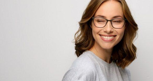 El dentista en boadilla ofrece información sobre los 9 beneficios de blanquear los dientes. Acuda a la clinica dental infante don luis (dentalarroque) para tratar la decoloracion dental. Hay que recuperar la sonrisa con el blanqueamiento dental.