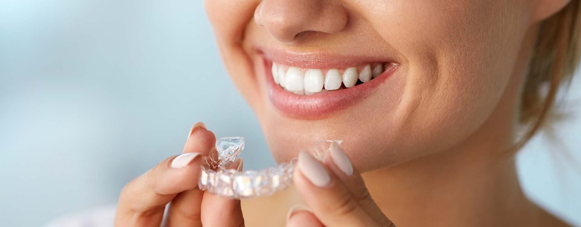 Invisalign en boadilla, ortodoncia transparente en boadilla, ortodoncia invisible en boadilla, ortodoncista en boadilla, clínica dental en boadilla, enderezar los dientes en boadilla, ortodoncia en boadilla, dentista en boadilla