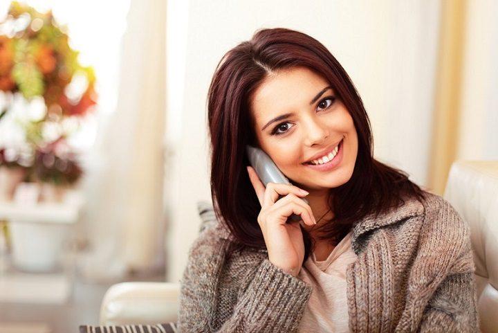 El dentista ofrece información sobre el tratamiento dental de carillas estéticas en majadahonda. Acuda a la Clínica Dental Dra. Herrero (Dentalarroque) para mejorar la apariencia de los dientes. Vuelve a sonreír con confianza tratando los dientes astillados o rotos y la decoloración dental.