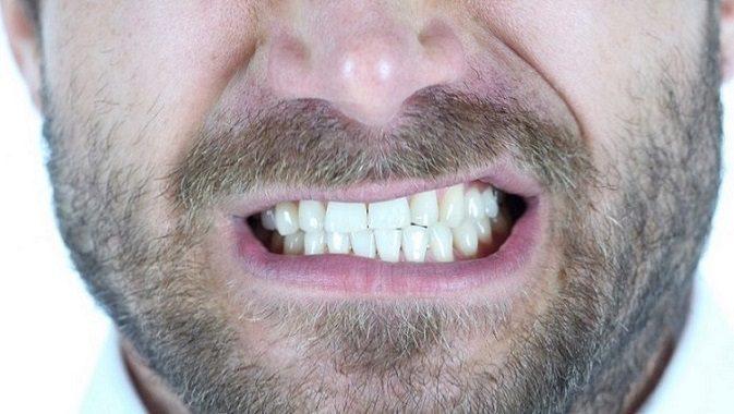 efectos del bruxismo, bruxismo en boadilla, apretar los dientes en boadilla, rechinar los dientes en boadilla, odontólogo en boadilla, odontología en boadilla, dentista en boadilla, clínica dental en boadilla, estética dental en boadilla, dientes rotos en boadilla, dientes fracturados en boadilla, dientes aplastados en boadilla, sonrisa en boadilla