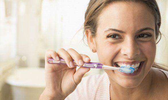 El dentista en majadahonda explica la gingivitis inflamación de encías. Acuda a la Clínica Dental Dra. Herrero para mantener la salud bucal sana. Vigila la higiene bucal.