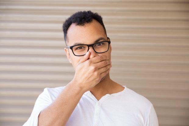 El dentista en boadilla del monte explica porqué la pérdida de dientes afecta a la autoestima. Acuda a la Clínica Dental Infante Don Luis (Dentalarroque) para mejorar la estética dental por medio de implantes dentales. Vuelve a sonreír, comer y hablar con naturalidad.