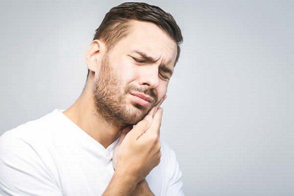 El dentista ofrece información sobre las muelas del juicio. Acuda a la clinica dental infante don luis (dentalarroque) para quitar los terceros molares. Cuida tu salud bucal.