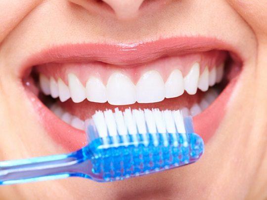 los dientes sanos