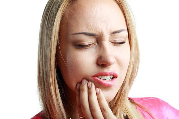 los problemas dentales más frecuentes, problemas dentales en boadilla, enfermedad dental en boadilla, dentista en boadilla, odontólogo en boadilla, odontología en boadilla, clínica dental en boadilla, revisión dental en boadilla, mal aliento en boadilla, sensibilidad dental en boadilla, caries dental en boadilla