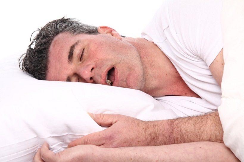 los riesgos de roncar