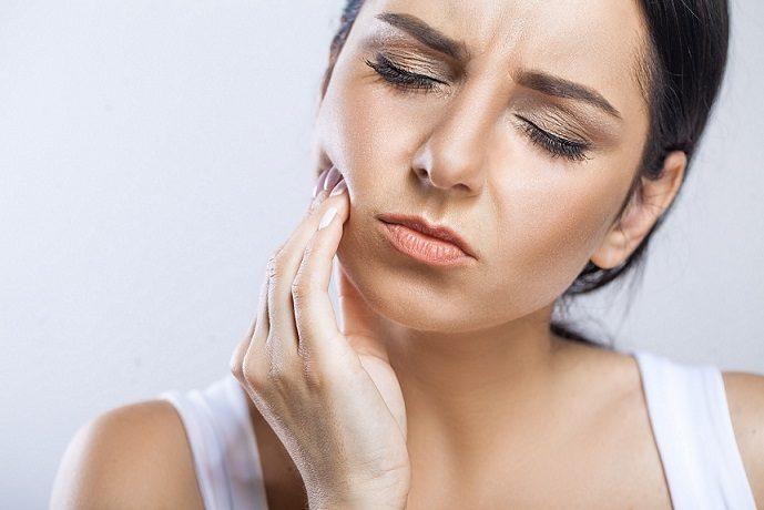 Acuda al dentista en majadahonda para recibir información sobre los terceros molares. La Clínica Dental Dra. Herrero (Dentalarroque majadahonda) ofrece información sobre las muelas del juicio. Los dientes de sabiduría pueden producir dolor de dientes o dolor de muelas.