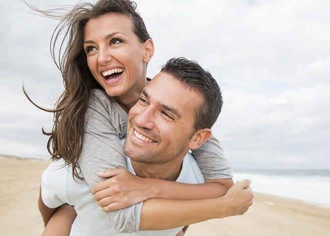 ¿Necesito carillas dentales? El dentista en boadilla del monte explica el tratamiento dental para mejorar la estética de los dientes. Vuelve a sonreír con confianza al tratar decoloración dental, rotura dental, manchas dentales.