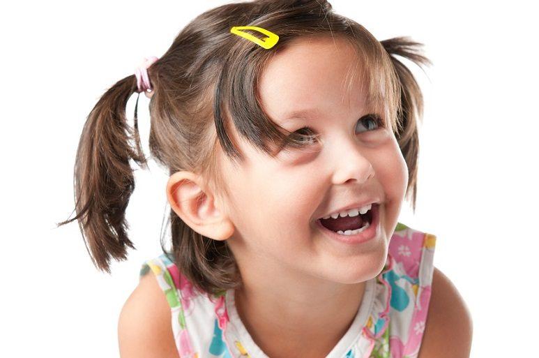 Se recomienda llevar a los niños al odontopediatra en boadilla a la Clínica Dental Infante Don Luis (Dentalarroque) para mantener la salud bucal infantil sana. El dentista infantil cuida y mantiene los dientes de leche saludables.