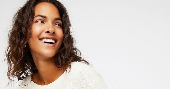 El ortodoncista en majadahonda explica el tratamiento de ortodoncia invisalign. Se recomienda los alineadores invisibles a las personas que quieren enderezar los dientes con discreción. Consigue la sonrisa de tus sueños.