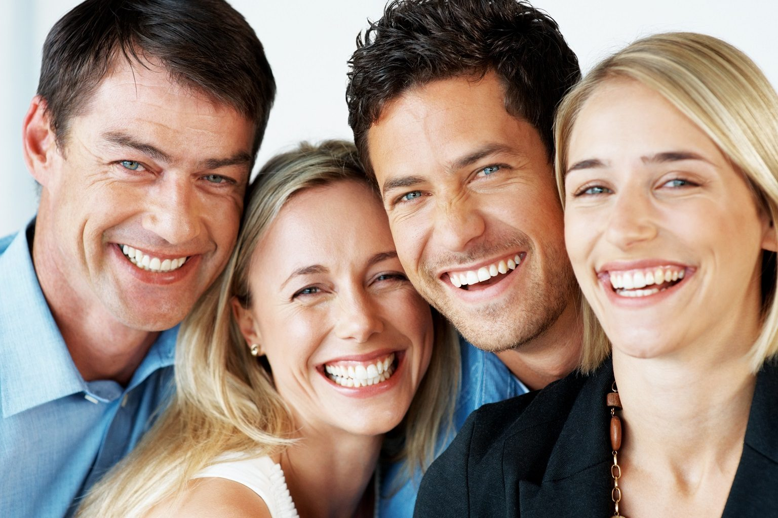 parecer más joven, dentista majadahonda, clínica dental majadahonda, odontólogo majadahonda, odontología majadahonda, revisión dental majadahonda, limpieza oral majadahonda, salud bucal majadahonda, sonrisa majadahonda