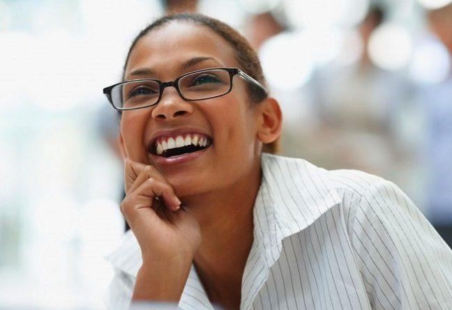 El dentista explica los peligros de la falta de dientes. Acuda a la clinica dental dra. herrero (dentalarroque) para remplazar los dientes ausentes. Cuida tu estetica dental y salud bucal.