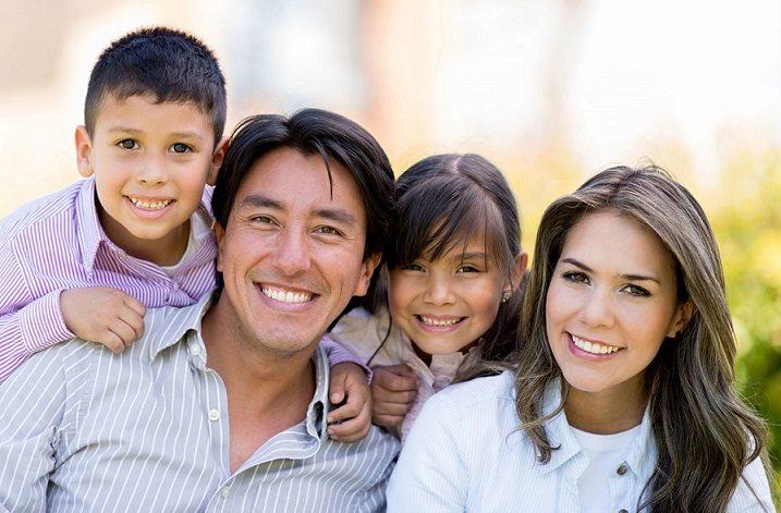 El dentista ofrece información sobre la placa dental en boadilla del monte. Se recomienda vigilar la alimentación y aplicar buenos hábitos de higiene oral para prevenir las enfermedades dentales. Cuida tu salud bucal.