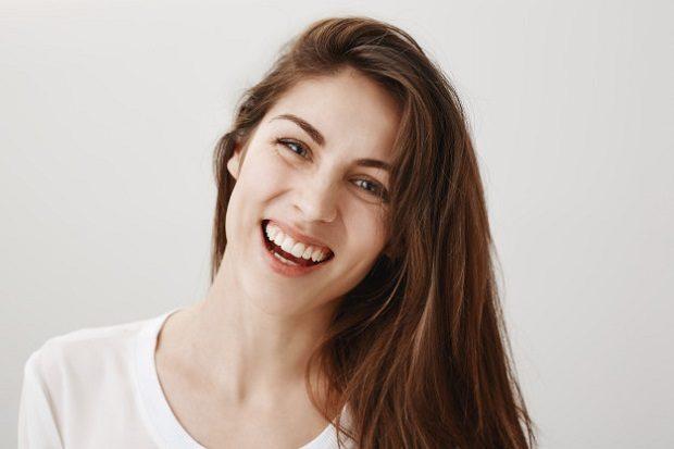 Acuda a la clinica dental infante don luis (dentalarroque boadilla) para poder recibir una respuesta a tu pregunta: ¿por qué elegir invisalign? El ortodoncista explica los beneficios de la ortodoncia invisible. Consigue una sonrisa perfecta de una forma discreta.