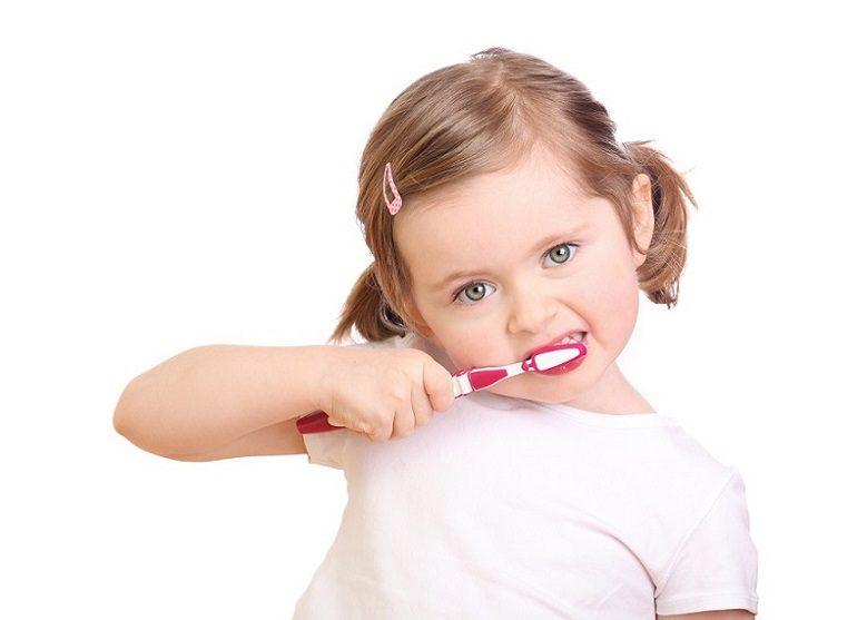 El odontopediatra en boadilla del monte explica por qué es importante cuidar los dientes de leche. Acuda a la Clínica Dental Infante Don Luis (Dentalarroque) para mantener los dientes primarios sanos.