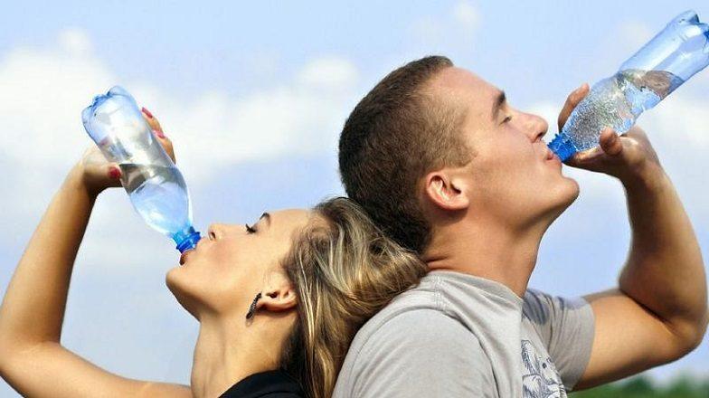 ¿Qué es la saliva? Es importante acudir a la clinica dental dra. herrero (Dentalarroque) en majadahonda para mantener la salud bucal sana y prevenir las enfermedades bucales.