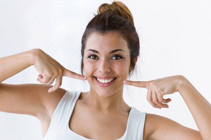 El ortodoncista en majadahonda explica algunas razones para enderezar los dientes. Acuda a la clinica dental dra. herrero (dentalarroque) para elegir el mejor tratamiento de ortodoncia. Mejora tu sonrisa y salud bucal.