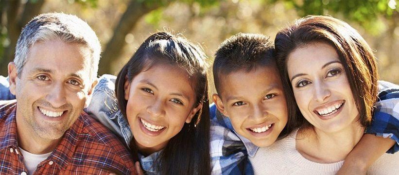 El dentista en majadahonda ofrece consejos para mantener la salud bucal sana. Aplica buenos hábitos de higiene oral a diario para tener los dientes y las encías saludables.