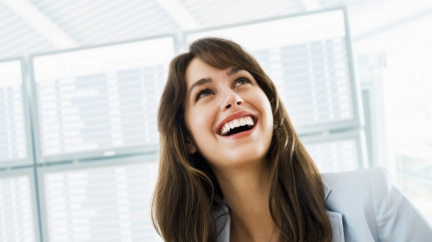 El dentista en majadahonda explica los tratamientos de estética dental para conseguir una sonrisa ideal. Acuda a la clinica dental dra. herrero (dentalarroque) para una revision dental. Mejora la apariencia de tus dientes con ortodoncia, carillas dentales, blanqueamiento dental.