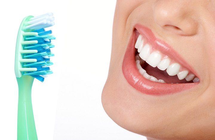 tratar el sangrado de las encías, enfermedad de las encías en majadahonda, enfermedad periodontal en majadahonda, sangrado de las encías en majadahonda, revisión dental majadahonda, limpieza dental majadahonda, clínica dental majadahonda, dentista majadahonda, odontólogo majadahonda, odontología majadahonda, sonrisa majadahonda